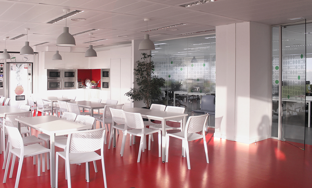 Soluciones integrales en dise o de oficinas y espacios for Vodafone oficinas barcelona