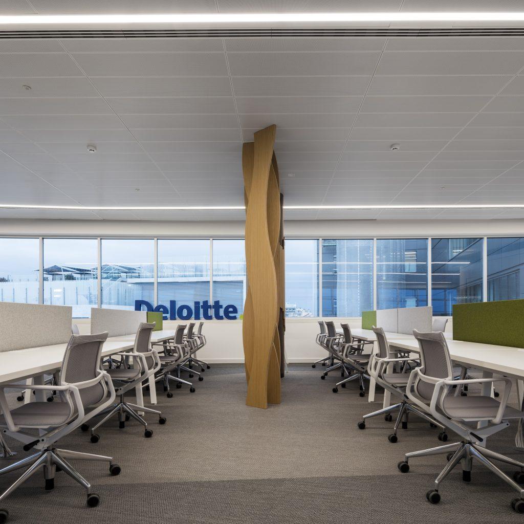 Deloitte hub lisboa for Oficinas deloitte