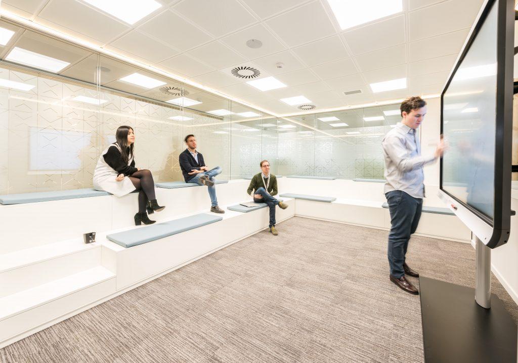 Roche la nueva sede en madrid for Telefono oficinas real madrid