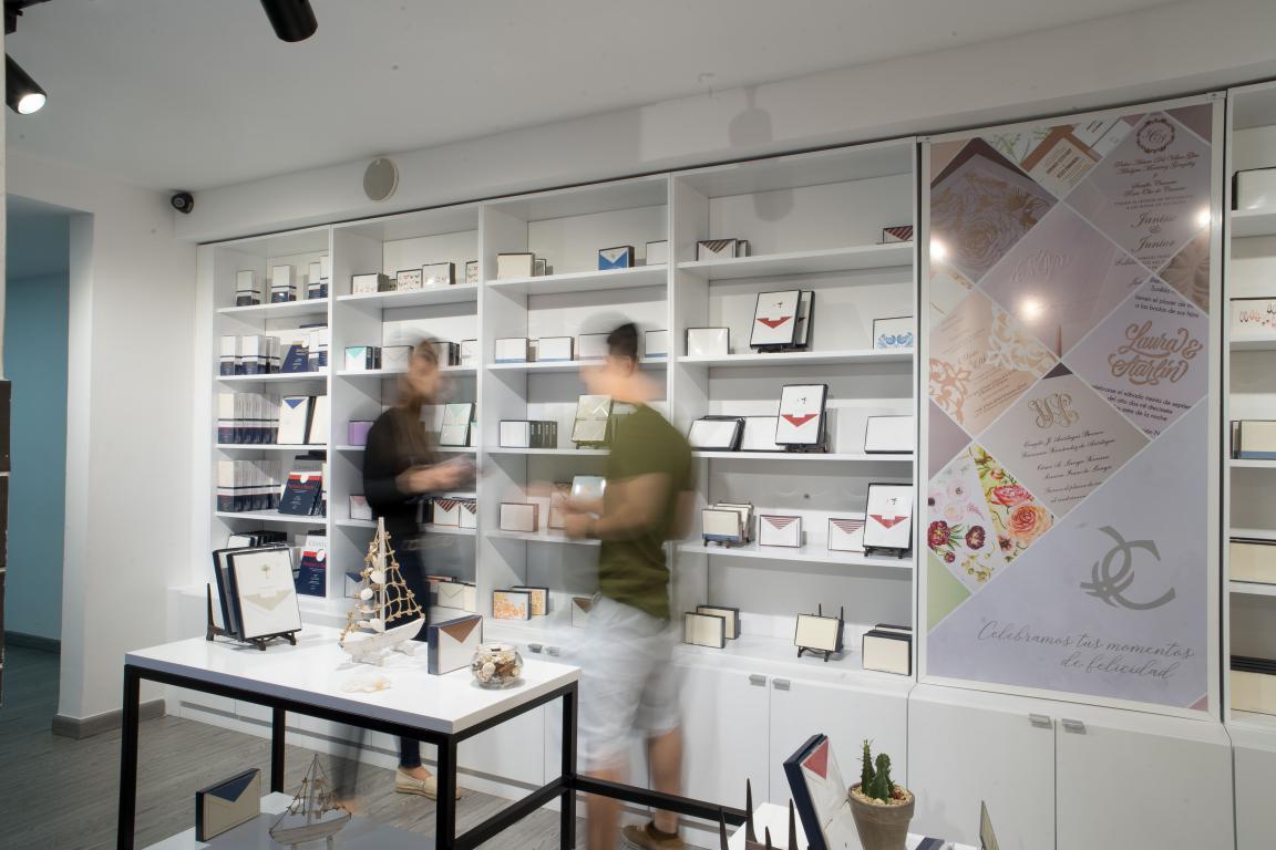 Cartoné - Exposición de diseños